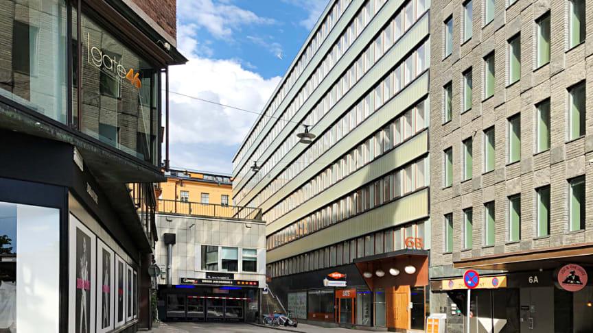 Kv Skravelberget (mitten) mellan Riddargatan 10 och Birger Jarlsgatan 6 B-C.