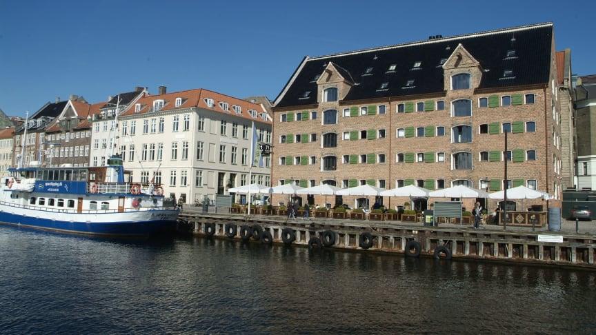 Hotel Nyhavn 71 med sortglaserede Dantegl vingetagsten