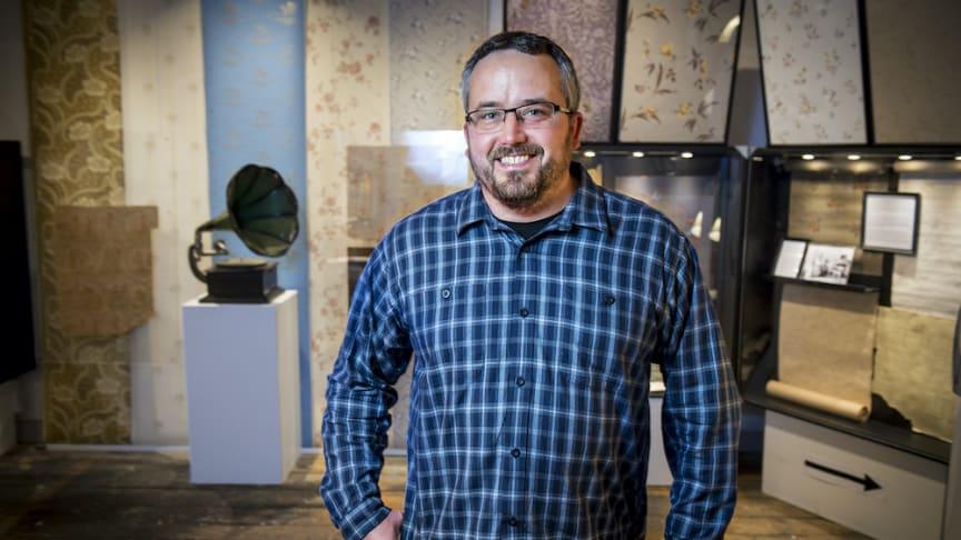 Mikael Tiderman - museichef på Frövifors pappersbruksmuseum som får stöd av Sparbanksstiftelsen Bergslagen. Foto: Bergslagens Sparbank