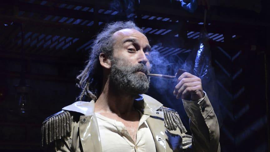 Wille Christiani, grundare och konstnärlig ledare Burnt Out Punks, tillika Generalen i Smoke Screens