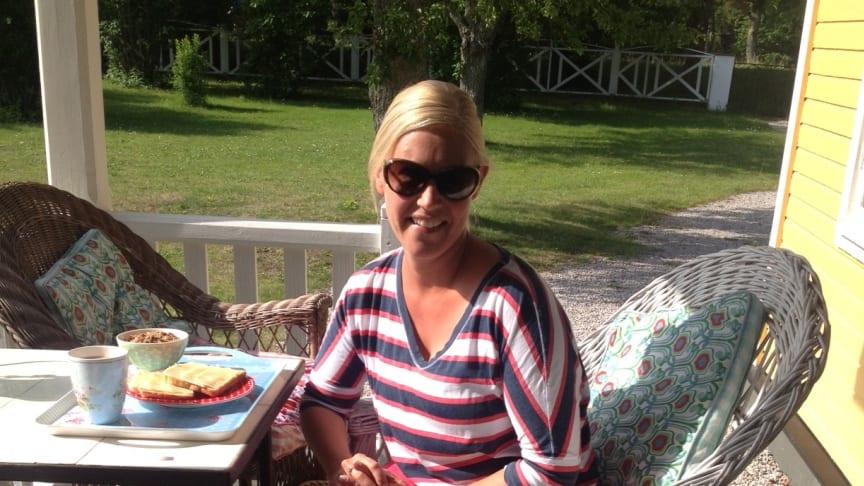 Linda tackar för sig från Almedalen - Fredrik Reinfeldt, glamour möter folklighet och hängmattor