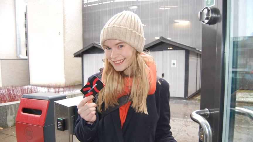 Fra og med fredag blir det mulig å bruke bibliotekkortet til å låse seg inn på Deichman Nydalen utenom betjent åpningstid. Foto: Jenny Dellegård/Deichman