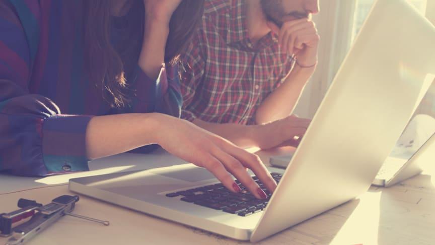 Fersk undersøkelse viser at over 1 million nordmenn er på utkikk etter ny PC i disse dager.