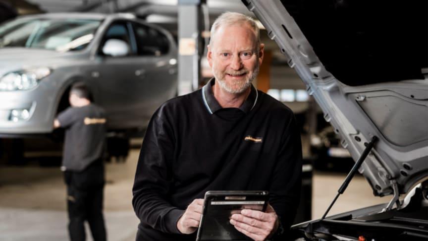 Tor Ole Hjellum, ansvarlig for bilverkstedtjenester i Dekkmann.