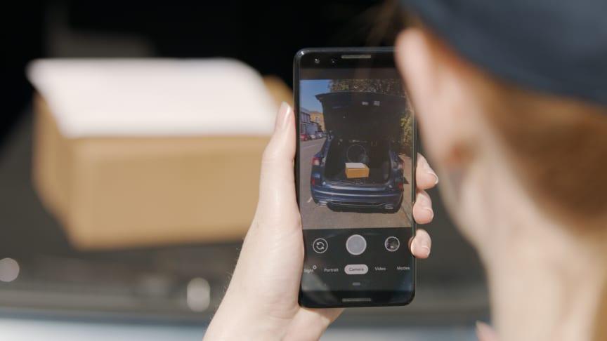Odemknutí vozu na dálku je možné díky zabudovanému online připojení