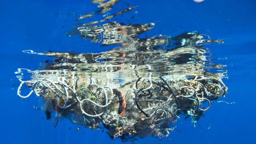 Världsvattendagen uppmärksammas med utställning om plast i