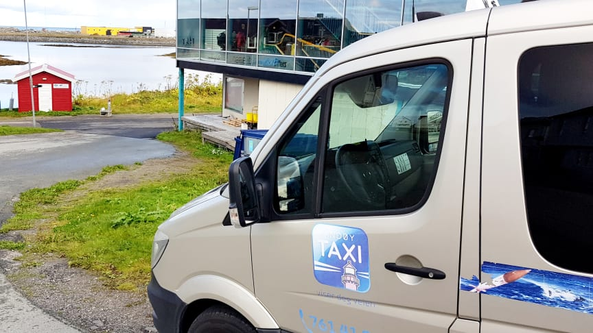 Andøy Taxi i Nordland er blant mange distriktssentraler som lurer på om de skal søke enerett, eller om de vil få det.