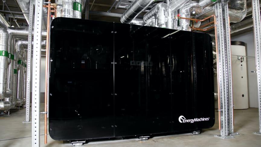 Systemlösningen EM18 med kylvärmepumpar är en del i helhetslösningen som Energy Machines skräddarsytt för möbelvarhuset, med lågt effektbehov och hög prestanda.