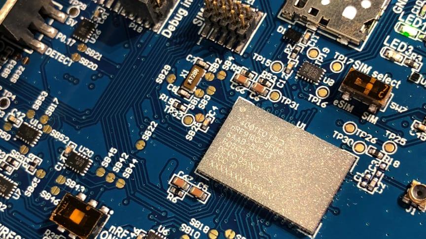 Med en bitteliten modul som kobles til Telias LTE-M skal Nordic Semiconductor fremme innovsjon på tvers i IoT-markedet.