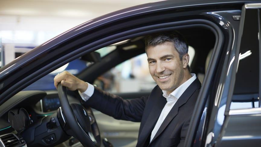 Konsernsjef Jacob Tveraabak i Bavaria Nordic gleder seg over oppkjøpet og partnerskap med Toyota