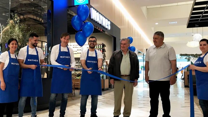 Idag öppnar Waynes Coffee i Valbo Köpcentrum