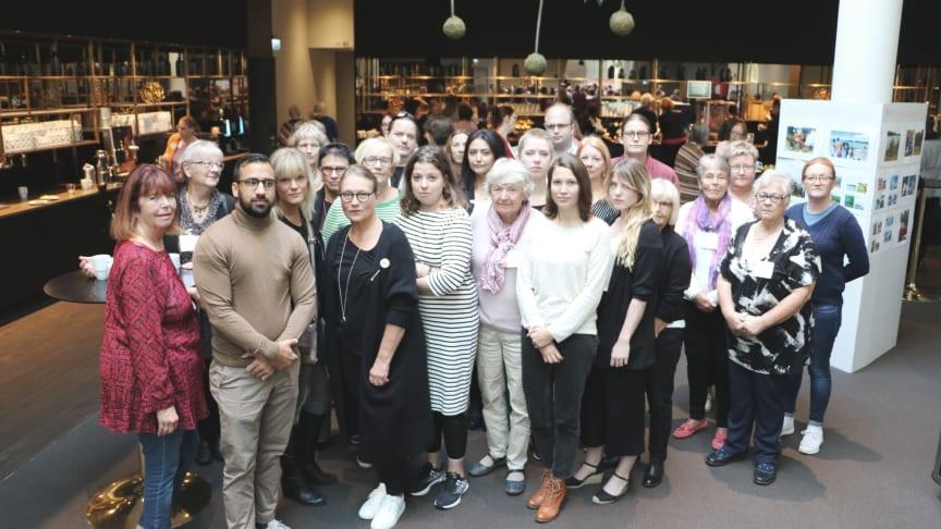 Ombuden på Rädda Barnens riksmöte skickar en uppmaning till Sveriges alla nyvalda politiker.
