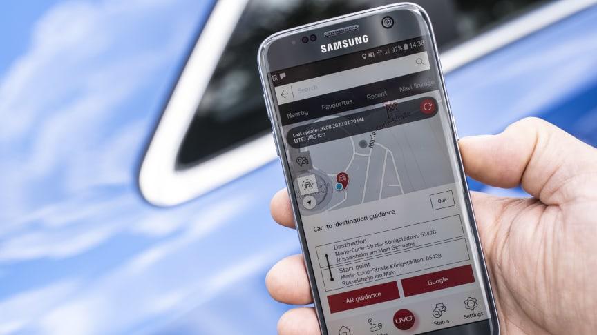 """Nu kan du """"connecte"""" med din Kia via mærkets nye mobil app, der er kompatibel med Android- og Apple-smartphones"""