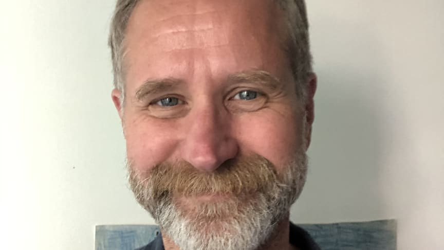 Jesper Olsson, professor i språk och kultur vid Linköpings universitet, tilldelas Rettigska priset vid Kungl. Vitterhetsakademiens årshögtid 19 mars.