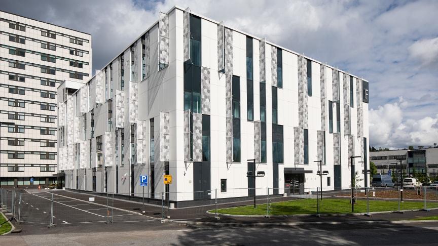 Taysin uudessa F-rakennuksessa sijaitsevat isotooppilääketiede ja verisairauksien keskus. Kuva:Opa Latvala/Tays