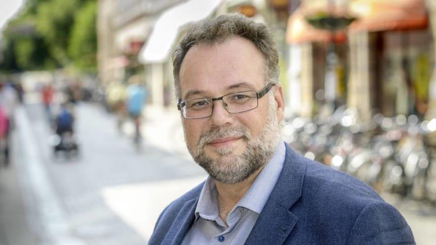 Christoffer Nilsson börjar sin vecka som kommundirektör i Lund med att instagramma.