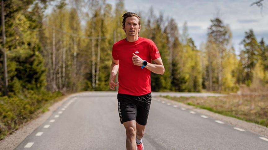 Johan Olsson är programledare i den tredje säsongen av Min Klassiker. Foto: Hans Berggren