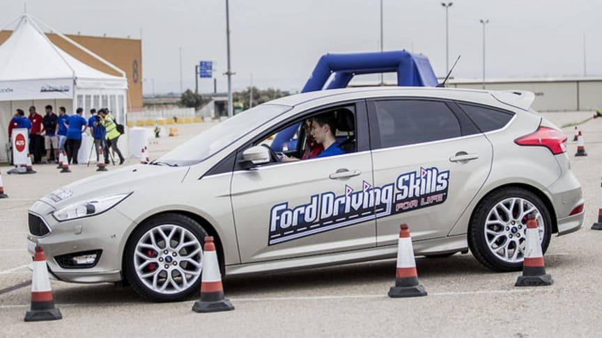 """Ford inviterede unge mellem 18-24 år til det gratis kørekursus """"Driving Skills for Life"""""""