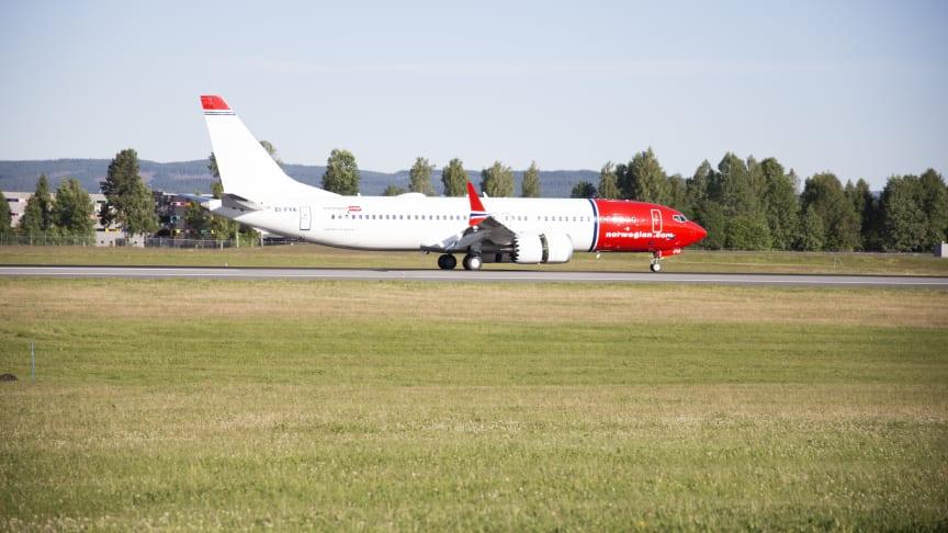 Norwegians aller første Boeing 737 MAX-fly landet på Oslo Lufthavn i dag