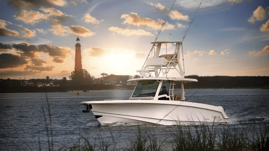 Raymarine and Boston Whaler will demonstrate the DockSense™ Alert system on a Boston Whaler 380 Outrage at Miami International Boat Show