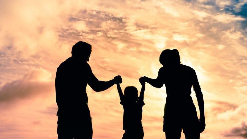Föräldrar tycker att adoptionsåterresan är viktig för att barnet ska känna stolthet över sitt födelseland samt kunna bemöta frågor om det och adoptionen.