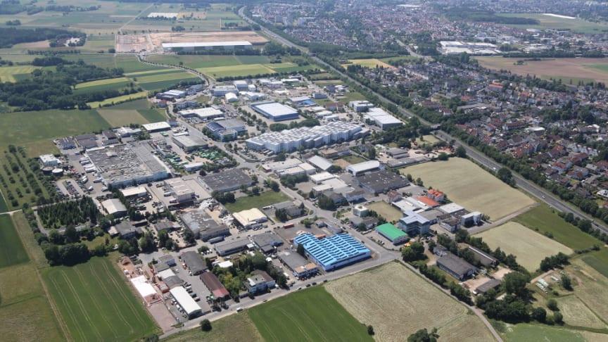 Auch das Gewerbegebiet Jügesheim soll eines der leistungsstärksten Glasfasernetze der Welt bekommen. Foto: Axel Häsler
