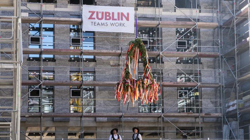 Richtfest für das Bürogebäude DB Brick in Frankfurt (Copyright: Henning Kreft)