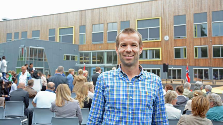 Prosjektleder Øystein Thuen fikk mye skryt for avslutningen av prosjektet. Han overtok stafettpinnen som prosjektleder etter kollega Kenneth Skaarud i Undervisningsbygg.