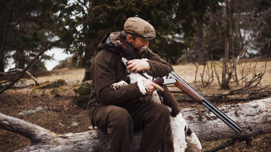 Jägare och hund
