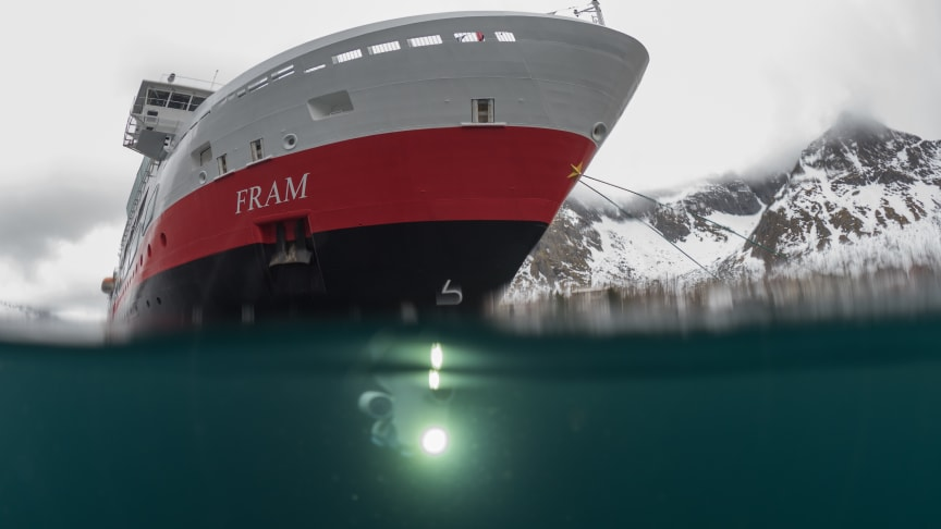 UNDERWATER EXPLORING: One of the Blueye underwater drones explores the ocean during a sailing with MS Fram at the Norwegian coast. Photo: BLUEYE/HURTIGRUTEN