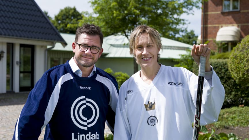 Anders Berg, President and CEO of Lindab, with Maria Rooth, hockey legend