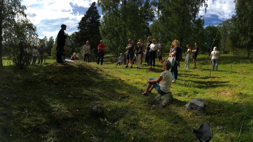 Lindesbergs Hembygdsförening återstartar med utflykt till fornminnesområde