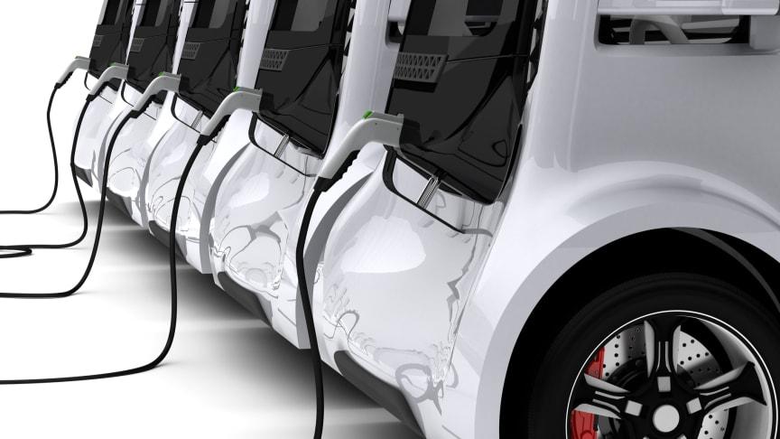 Elektroautos beim Aufladen (Getty Images)