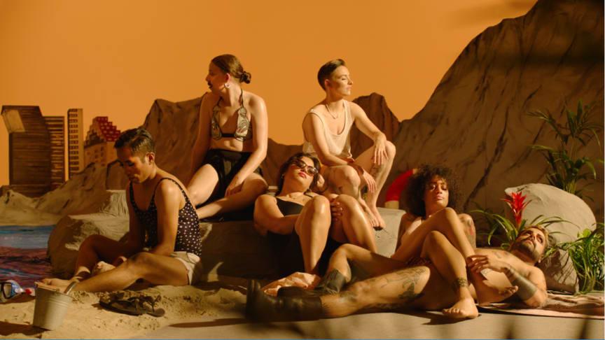 Sommernatt ved stranden – en filmkabaret av Kirsten Astrup & Maria Bordorff