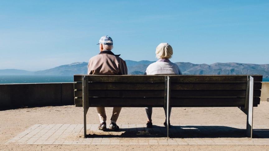 Elgiganten skänker surfplattor för att minska äldres isolering och ensamhet