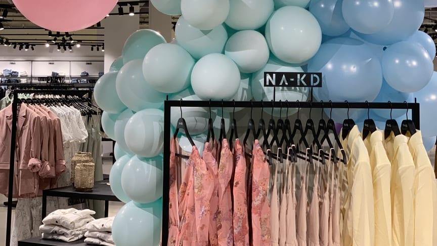 Succén tillbaka - modejätten NA-KD öppnar i Helsingborg!