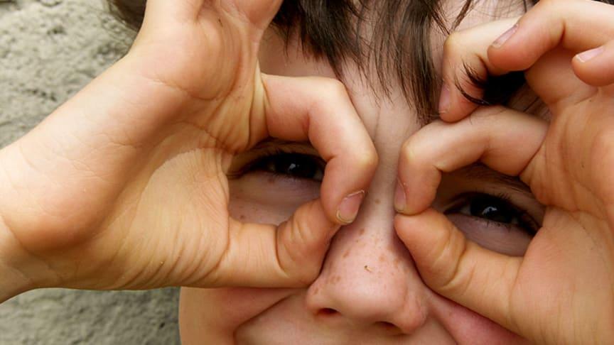 Die Welt mit Kinderaugen sehen. Wie erkenne ich, dass mein Kind schlecht sieht?
