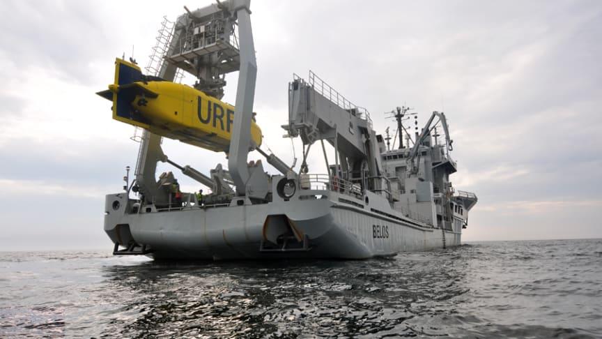 URF under sjösättning från HMS Belos. Foto: Försvarsmakten