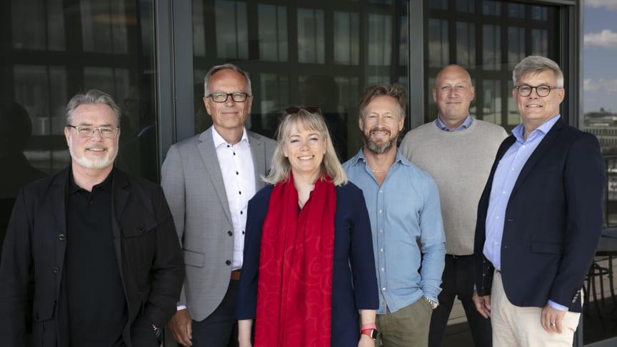 Ledningsteamet från Nexer och Kairos Future. Fv Jörgen Jedbratt, Mats Lindgren, Johanna Danielsson, Lars Kry, Martin Am Zoll, Erik Herngren
