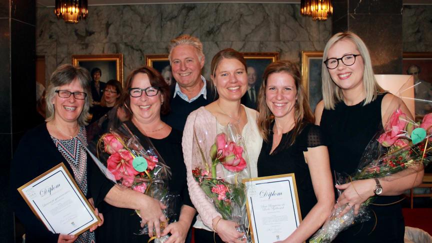 Vinnarna av Pedagogiska priset: Annette Isaksson, Maria Ryttersson och Mats Keijser, gymnasieenheten, Skultuna kommundelsförvaltning, Johanna Malmer Wallenius, Viksängsskolan, samt Linda Bjällerstedt och Sara Bergström, Bjurhovdasmyckets förskola.