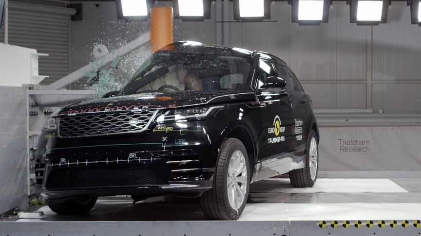 Euro NCAP's Side Pole impact test is a very severe test of a car's ability to protect the driver's head