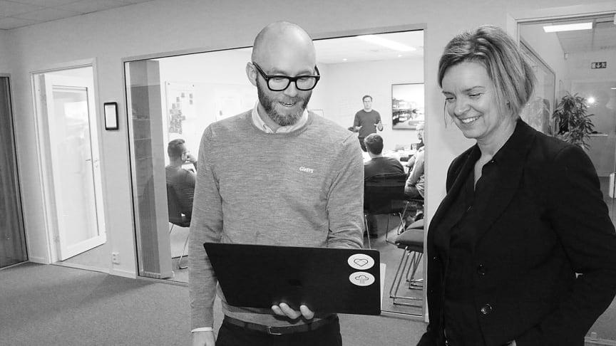 Petter Knutsson, marknadsansvarig och Susanne Nilsson, ekonomichef på GleSYS.