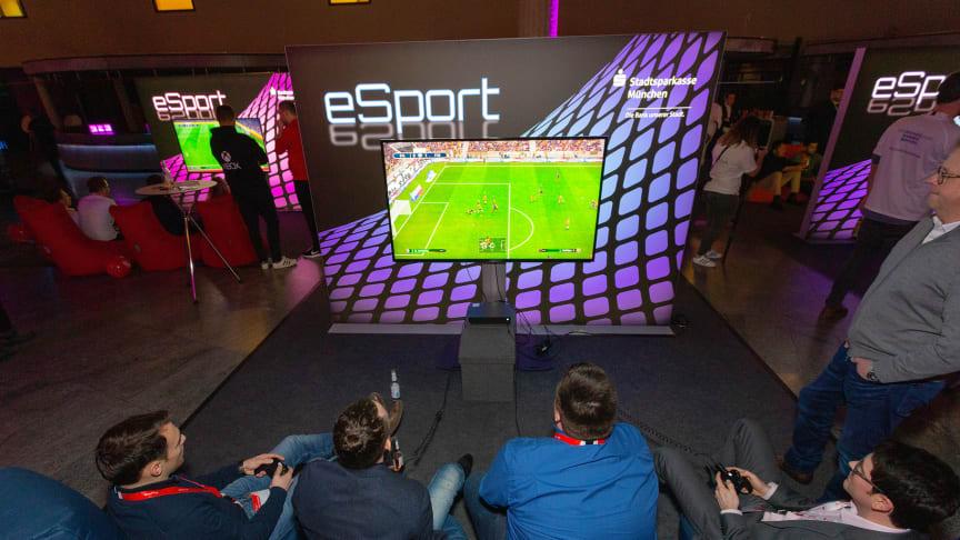 eSport-Fußballturnier in der Hauptstelle der Stadtsparkasse München im Tal