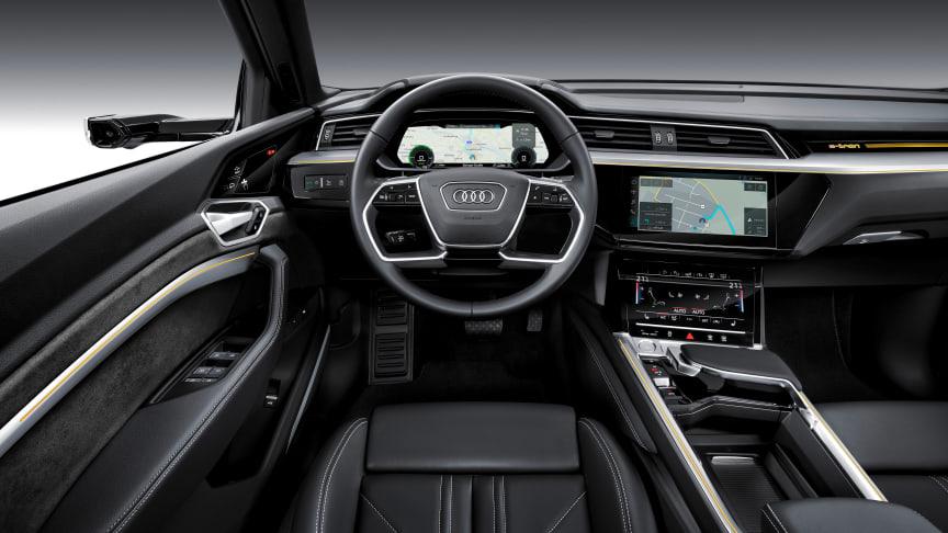 Audi e-tron interiør med virtuelt sidespejl og skærme