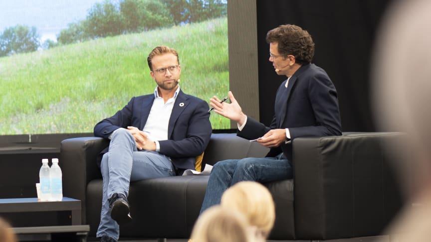 Digitaliseringsminister Nikolai Astrup  og adm. dir. i Telenor Norge Petter-Børre Furberg.  Foto: Martin Phillip Fjellanger.