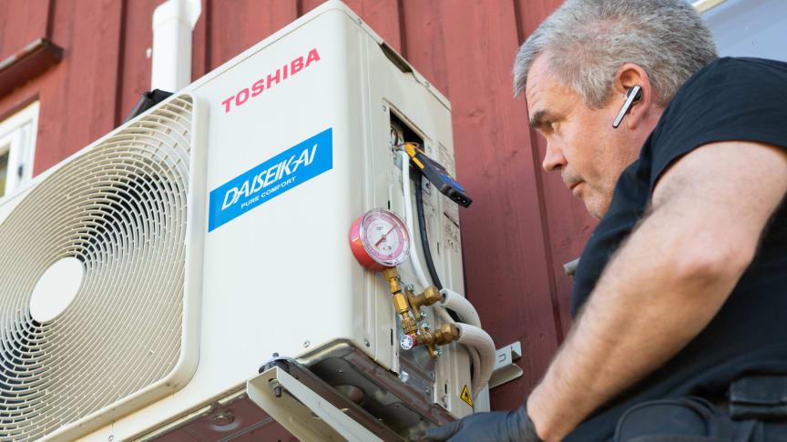 Richard B sjekker gasstrykk1206
