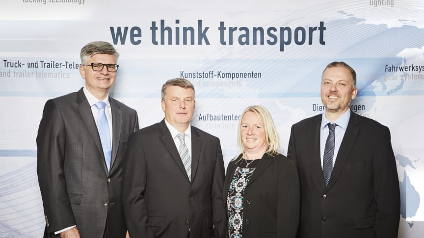 Uwe Frielingsdorf (BPW), Ingo Herz (Herz Nutzfahrzeugteile GmbH) und Ehefrau Sandy Herz, Thorsten Winterberg (Besko GmbH, eine BPW Tochtergesellschaft)