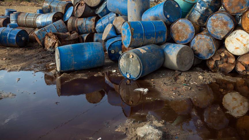 Lastbilschaufförer har vittnat om den okontrollerade tippningen av miljöfarligt avfall på Granholmstippen på 60- och 70-talet.
