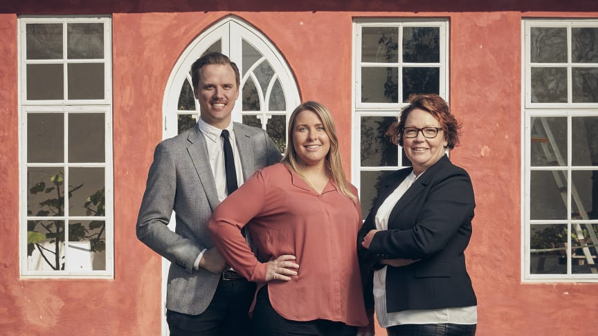 Mäklarna Pontus Andersson, Linda Friberg och Kattis Prenell har god lokalkännedom i Hässleholm.