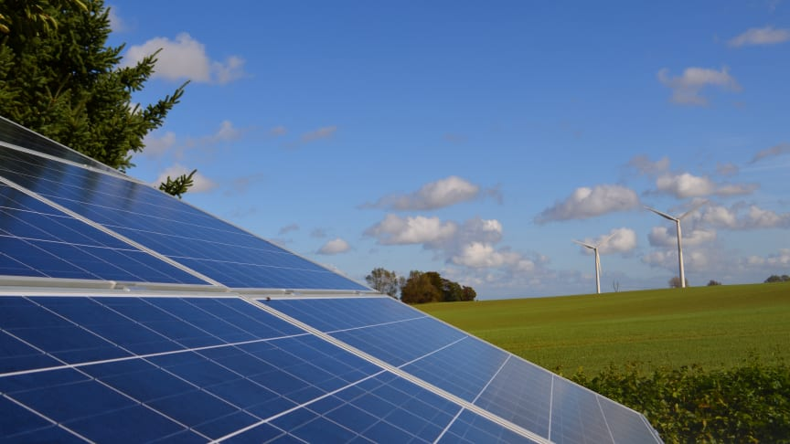 Regeringen laver aftale om mere sol for pengene